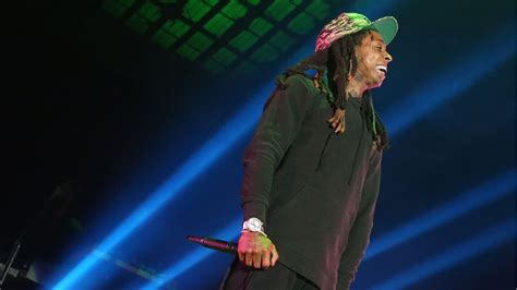 lil wayne drops no ceilings 2 mixtape rolling