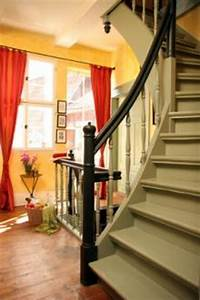 Treppe Zum Dachboden Einbauen : treppenlift f r die wendeltreppe lift einbauen ~ Markanthonyermac.com Haus und Dekorationen