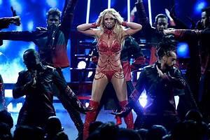 Britney Spears Opens Billboard Music Awards 2016 In Red ...