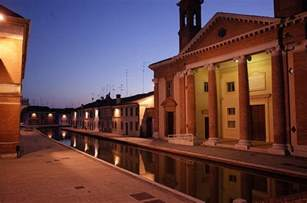 Christmas Tree Shop Brick Nj by The Canals And Stunning Architecture Of Comacchio At Night