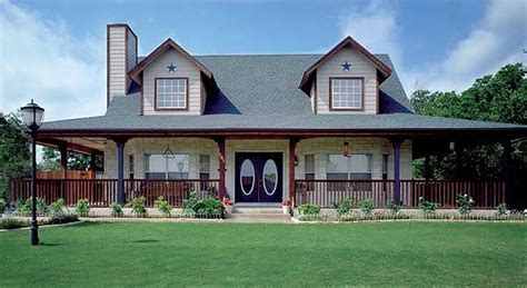 Homes With Beautiful Wrap-around Porches-housely