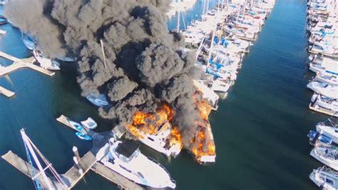 Everett Fire Boat by Fire Destroys Boats At Everett Marina King5