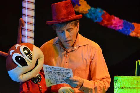 Con Lleno Total En El Teatro De La Ciudad, Los Paceños