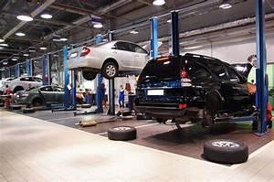 Auto In Der Garage : effective advertising for auto repair shop owners ~ Whattoseeinmadrid.com Haus und Dekorationen