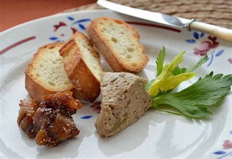 duck liver p 226 t 233 with fig raisin compote