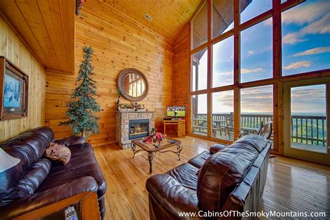 pigeon forge cabin 4 bedroom sleeps 12 bunk beds swimming pool access