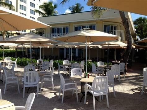 turtle club dining on the sand at vanderbilt resort