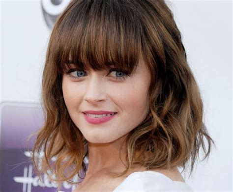 Womens Shoulder Length Hairstyles With Bangs