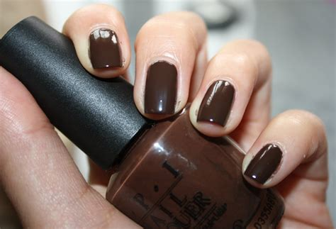 Top 10 Most Popular & Best Nail Polish Colors For Dark