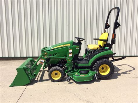 deere 1025r with the 120r loader and 60d mowing deck meade tractor