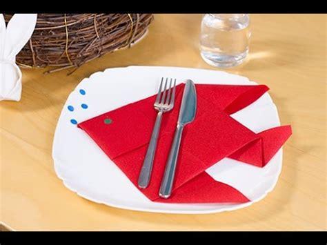 diy pliage de serviette en poisson pour p 226 ques ou le 1er avril
