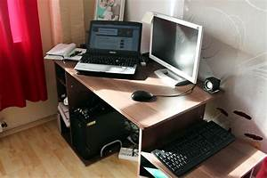 Schreibtisch Im Wohnzimmer : schreibtisch test homcom computertisch vergleich tipps ~ Markanthonyermac.com Haus und Dekorationen