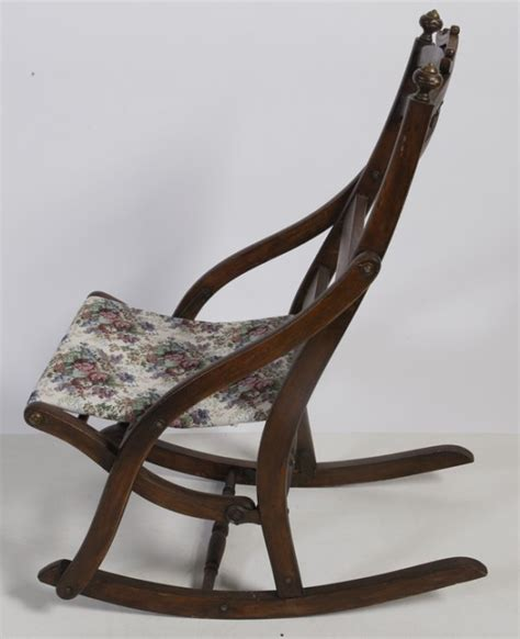 365 antique folding rocking chair lot 365