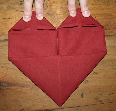 pliage serviette papier anniversaire obasinc