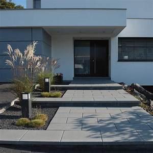 Treppe Hauseingang Bilder : gartenanlage zaun eingangstreppe hofeinfahrt vordach architektur wohnen hauseingang gestalten ~ Markanthonyermac.com Haus und Dekorationen