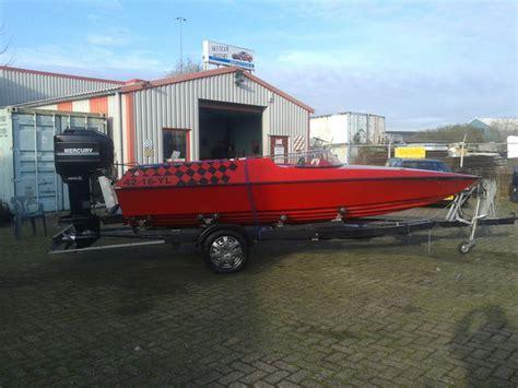 Speedboot Schnellstes by Schnelles Phyrana Speedboot Mit 175 Ps Mercury Motor Und