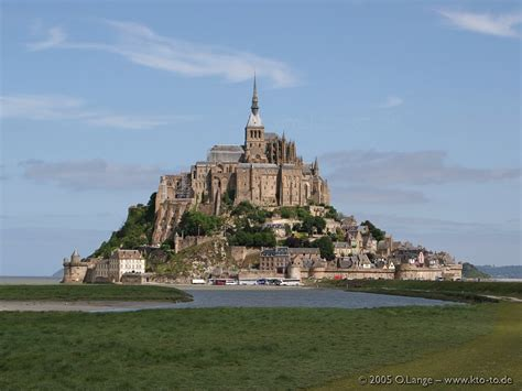 mont st michel 1 hd wallpaper landmarks wallpapers