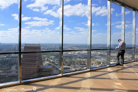 sky lobby view picture of jpmorgan tower houston