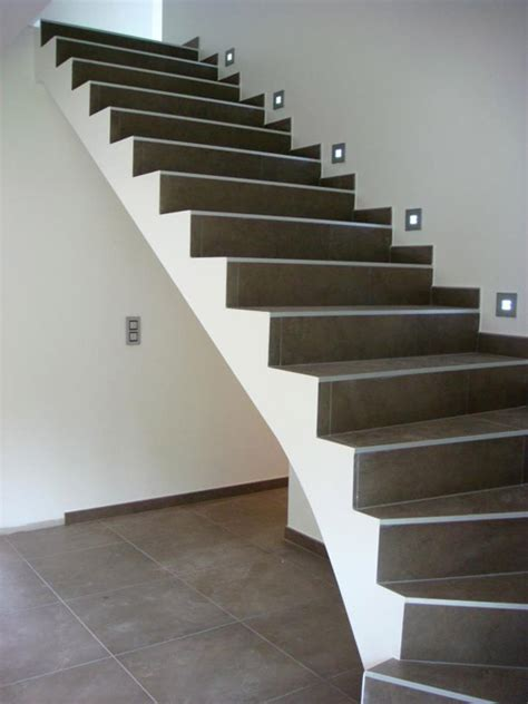 rattraper finition escalier carrelage