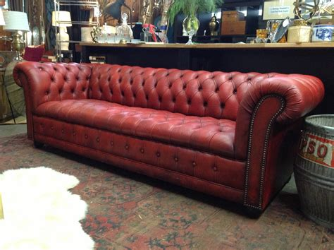 15 Best Collection Of Red Leather Chesterfield Sofas Wooden Sofa And Dining Table Set Sofas Baratos Usados Lisboa Funny Pillows Apartment Size Sleepers Power Reclining Leather Loveseats Average Cost To Reupholster A Loveseat Transmission Gear Canvas Bed