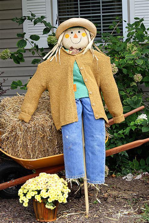 Diy Scarecrow For Garden diy scarecrow tutorial house of hawthornes