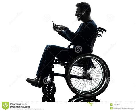 homme handicap 233 en silhouette de fauteuil roulant image stock image 35570351