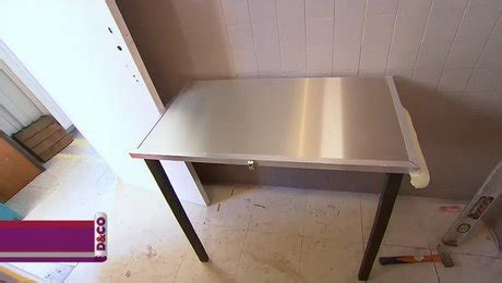 cr 233 er une table murale rabattable et pliante minutefacile