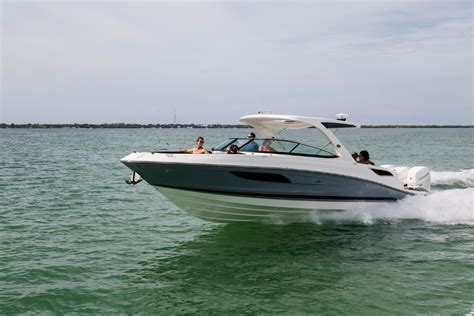 Sea Ray Boats Bowrider by New Sea Ray 350 Slx Outboard Bowrider Power Boats Boats