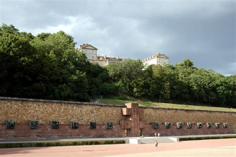 file mont val 233 rien m 233 morial fort jpg wikimedia commons