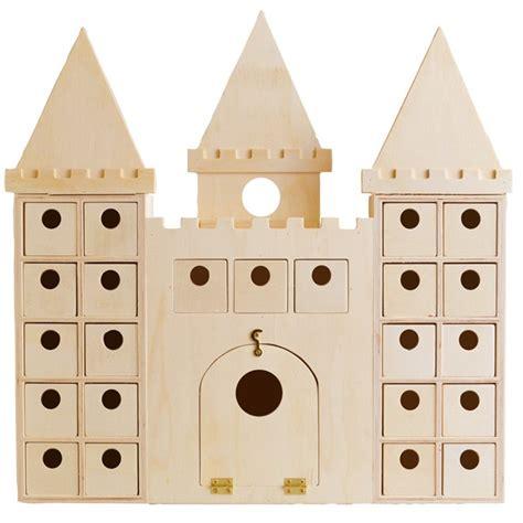 calendrier de l avent en bois chateau fort ou chateau de princesse 42cm artemio