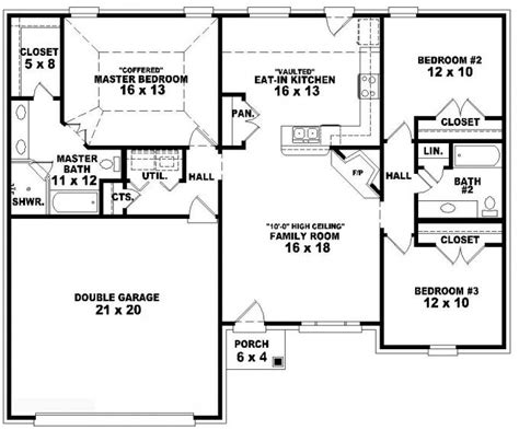 style house plan 3 beds 2 baths 2630 sq ft plan 653788 one story 3 bedroom 2 bath traditional