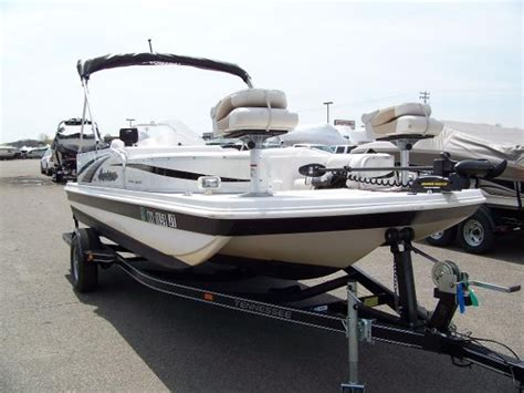Hurricane Fun Deck Boats Used by Hurricane Fun Deck 198r 2004 Used Boat For Sale In Rogers