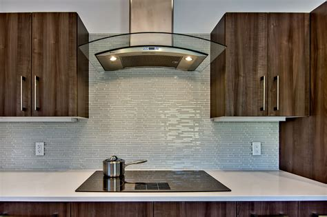 Lovely Glass Backsplash For Kitchen The Important Design