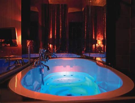 Belle Chambre Avec Jacuzzi Privatif  40 Idées Romantiques