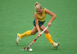 How to Play Field Hockey (Rules, Positions, History ...