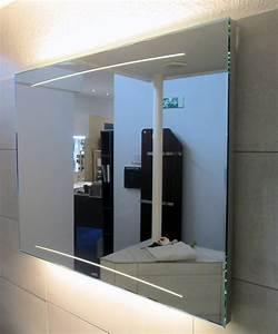 Spiegel Mit Hinterleuchtung : bilder zu zierath z1 lichtspiegel 120x70cm designspiegel mit led hinterleuchtung spiegel ~ Markanthonyermac.com Haus und Dekorationen