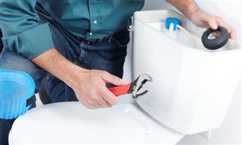 4 trucs tr 232 s simples pour r 233 parer une toilette trucs pratiques