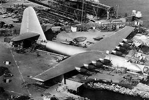 When Howard Hughes built the biggest plane in history ...