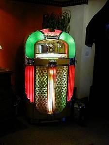 jukebox sale Wurlitzer,seeburg, rockola,ami,nsm