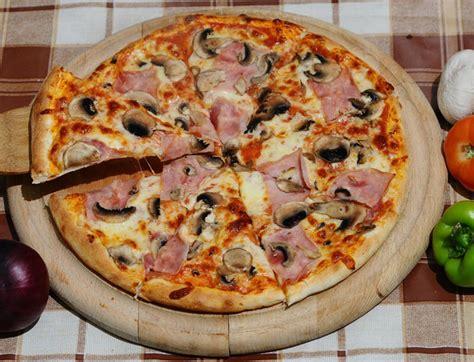 pizza flickr 4932057475 2a9ce50750 b jpg 1394024792