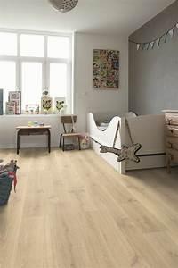 Wohnzimmer Boden Grau : moderne wohnzimmer boden laminat moderne bodenbel c age kinderzimmer holzboden wei fe w ande ~ Markanthonyermac.com Haus und Dekorationen