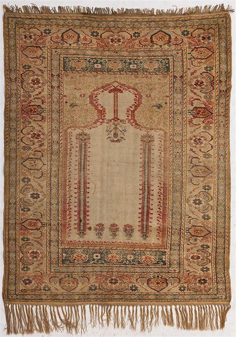 tapis de priere kayseri turquie debut du xxe s a mihrab
