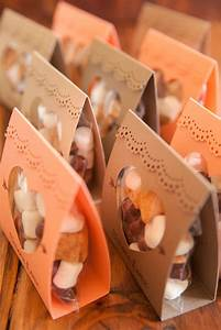 How to make these adorable S'more Love wedding favors!