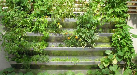 How To Build Vertical Garden Vegetables?