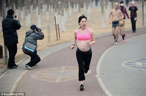 enceinte de 8 mois participe 224 une course dr 244 les de mums