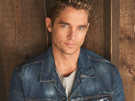 "Brett Young Reaches Platinum Milestone With ""in Case You"