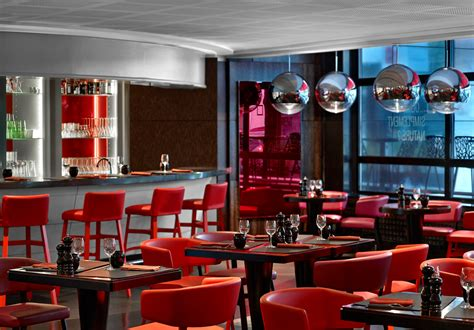le m 233 ridien etoile ma ch 232 re tendre steakhouse and jazz club lounge