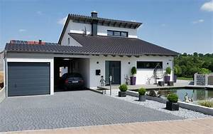 Häuser Mit Pultdach : einfamilienhaus modern holzhaus versetztes pultdach modern fenster holzterasse vor eingang haus ~ Markanthonyermac.com Haus und Dekorationen