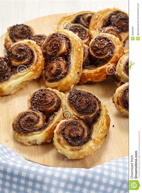 biscuits plus palmier biscuits fran 231 ais faits en p 226 te feuillet 233 e et chocol photo stock image