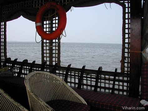 Houseboats Under 10000 by Kerala Alleppey